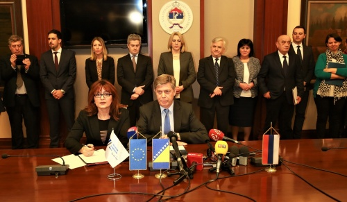 €6.8 Million Grant Agreement Signed for the Second 2015 Connectivity Agenda Project in Bosnia and Herzegovina